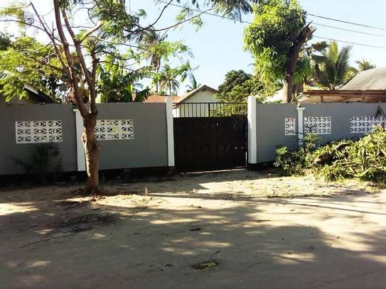 OWN 3 BEDROOMS BEAUTIFUL HOUSE AT PRIME KIGAMBONI LOCATION. image 1