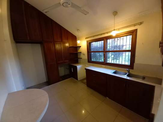 3 BEDROOM APARTMENT AT OYSTERBAY image 9