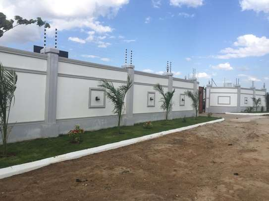 ELECTRIC FENCE SERVICES image 5