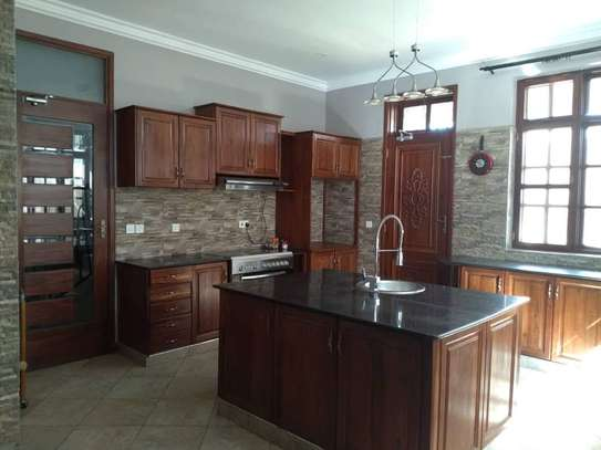 8 Bdrm Fully furnished House at Burka in Arusha image 10