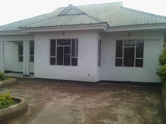 3BEDR HOUSE FOR RENT AT NJIRO  TANESCO image 1