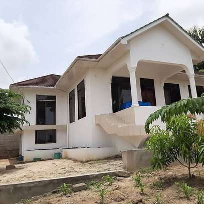 3 bed room house for sale 150mil at goba with sqm areas 2000 image 2