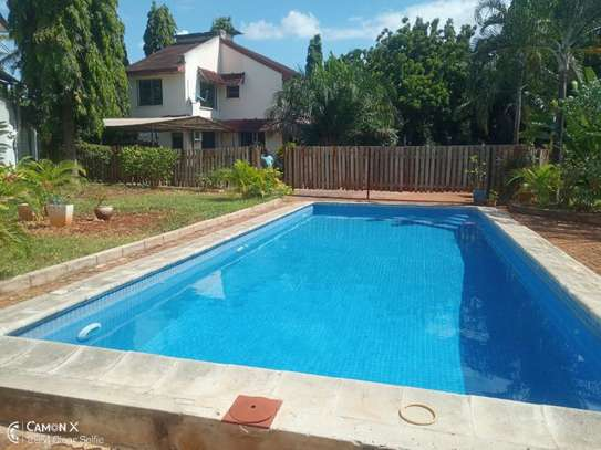 4bed house shared  the compound near george and dragon at masaki $2500pm image 6