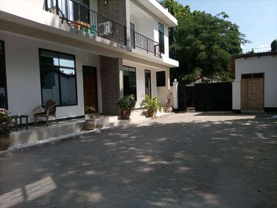 VILLAS FOR RENT AT ADA ESTATE NEAR LEADERS image 2