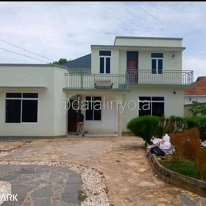 3 BDRM HOUSE AT TEGETA image 9