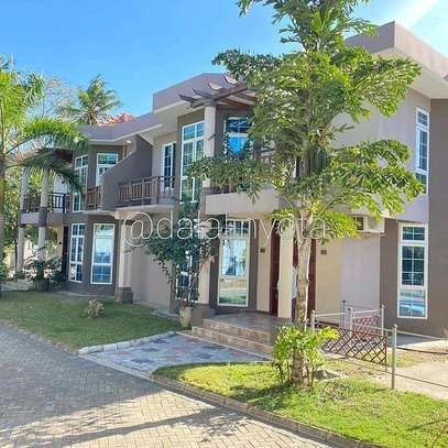 3 BDRM VILLA AT KAWE BEACH image 1