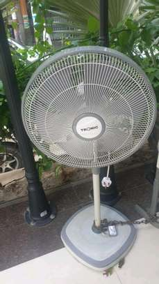 SUPER CLASSICAL TRONIC STANDING FAN image 1