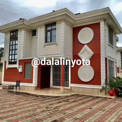 AMAZING BIG HOUSE FOR RENT STAND ALONE image 2