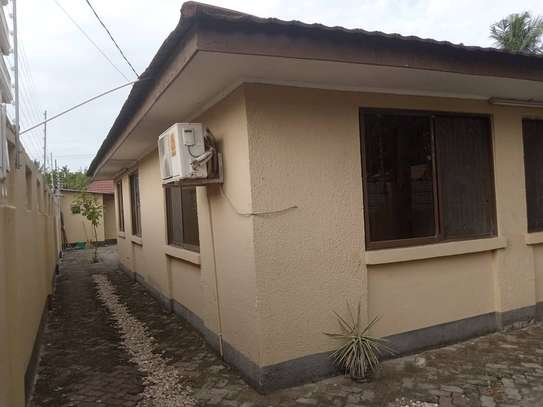 4 bed room stand alone house for rent at msasani image 1