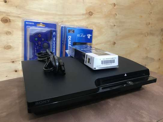 Ps3 250Gb, 2 controller, 20 game and many more