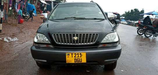 2002 Toyota Harrier image 2