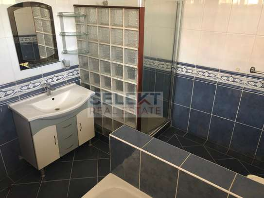Specious 4 Bedroom Compound Houses In Oyster Bay For Rent image 6