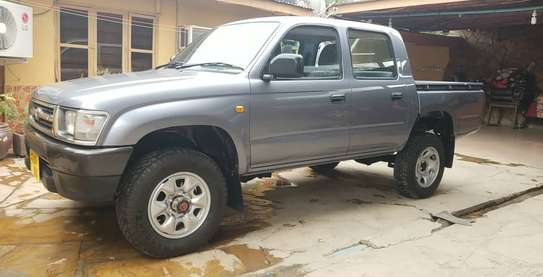 2002 Toyota Hilux image 5