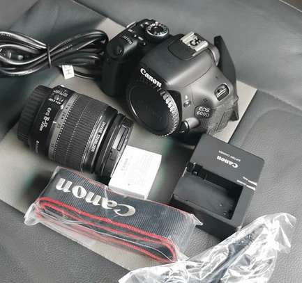 Canon 600D with lens