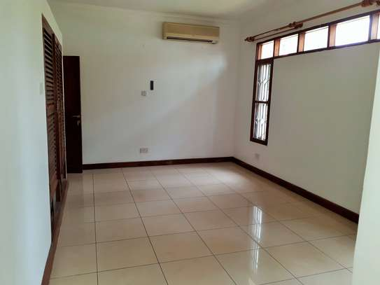 4 Bedroom Standalone House In Masaki image 7