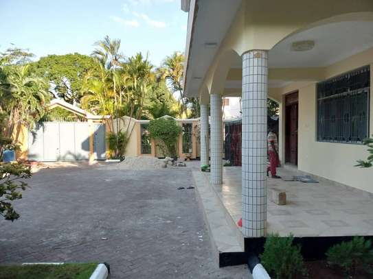 10bed  house at mikocheni a mwinyi area is available image 12