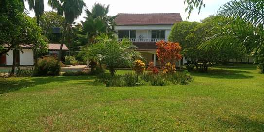 4bedroom house in Masaki to let $5000