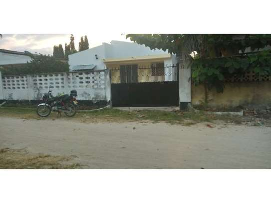 4bed house at mikocheni b cheap dont miss it image 4