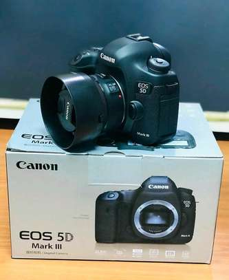 canon 5D mark iii with 50mm image 1