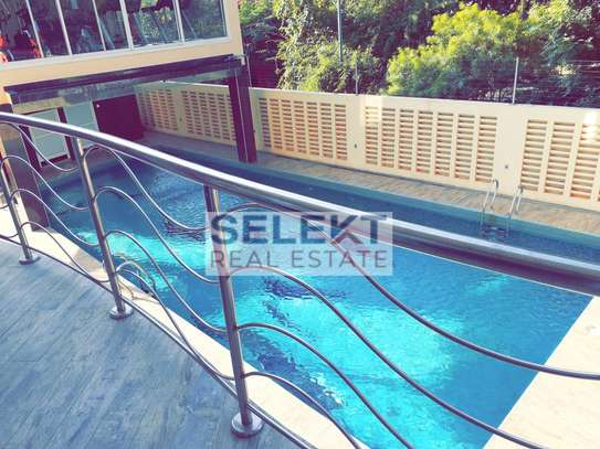 Stunning 2 Bedroom Apartment With Sea View image 1