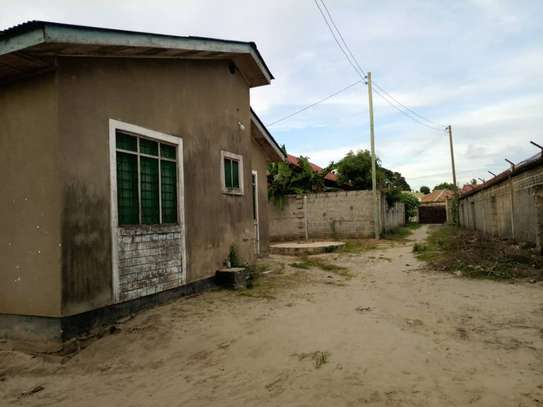 4 bed room house for sale at mbagala nzasa image 7