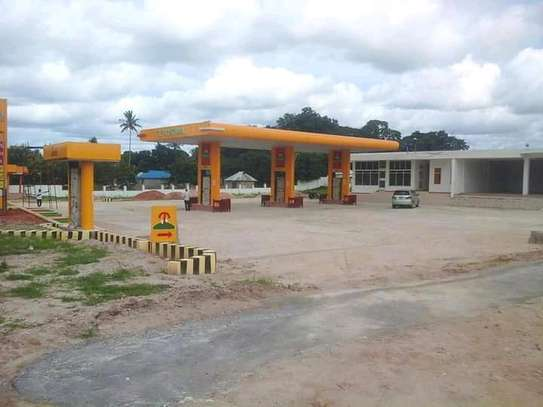 A Petrol Station For Lease. image 1