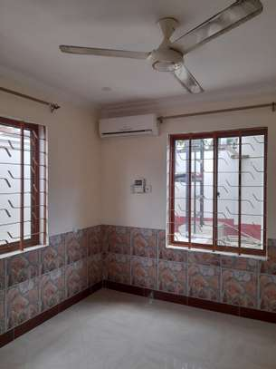 3bedroom standalone house to let in Mikocheni image 10