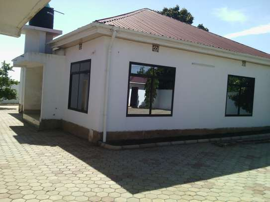 3BEDR NEW HOUSE FOR RENT AT NJIRO ARUSHA.