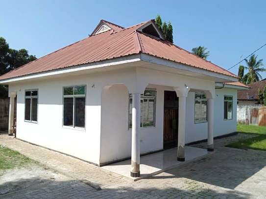 3 bed room house for rent at boko image 4