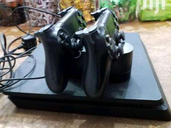 PS4 SLIM with 2controller