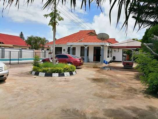 Stand alone house at Tegeta for rent image 3
