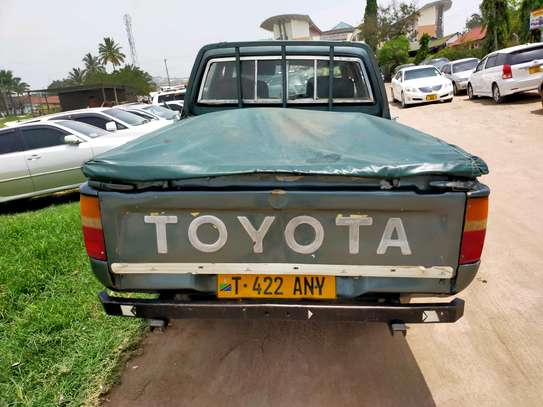 1999 Toyota Hilux image 6