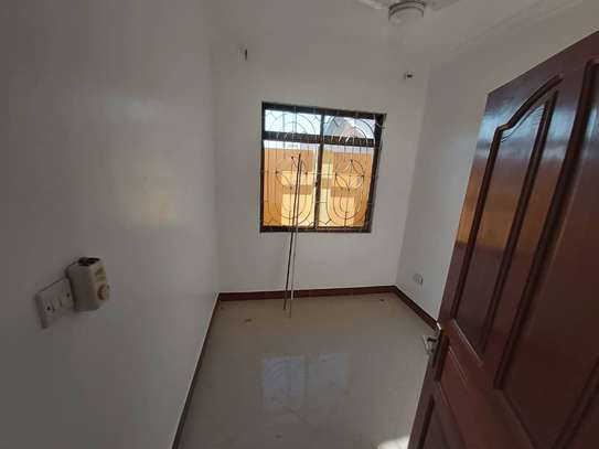 6 bedroom house for rent suitable for OFFICE image 9