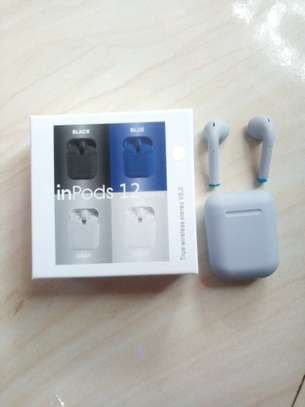 i12 bluetooth earphone for android and iphone image 2