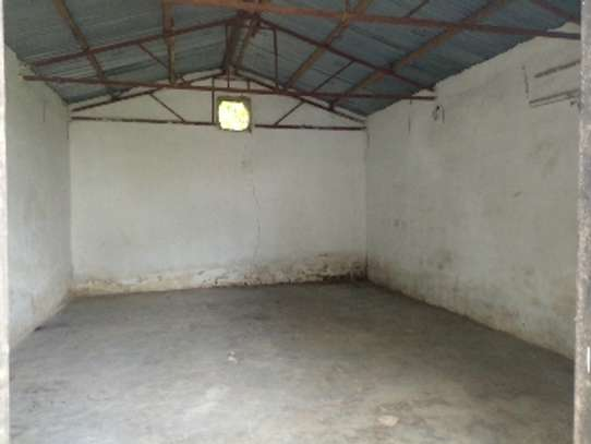 4bed house with big compound and small godown at ada estate image 10