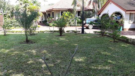 4 Bedrooms Executive House For Rent in Masaki image 2