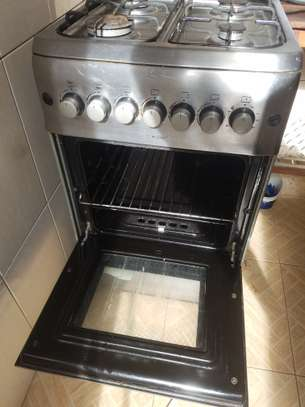 Oven & gas cooker (hotpoint) image 9