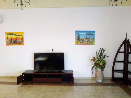 LUXURY 4 BEDROOM PENTHOUSE FOR RENT WITH JACUZZU AND SEA VIEW AT UPANGA image 3