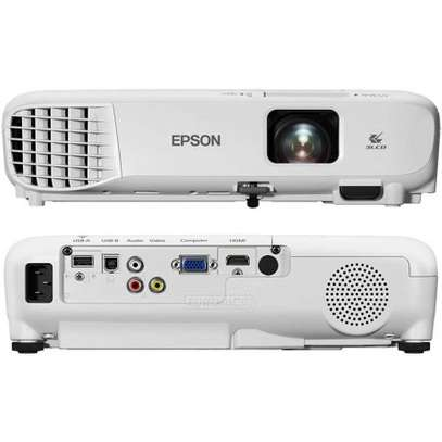 Epson EB S05 projector image 3