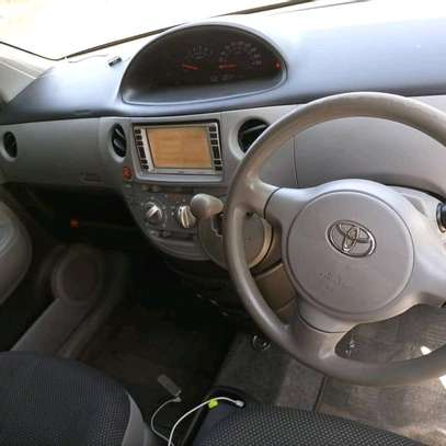 2007 Toyota Fortuner image 7