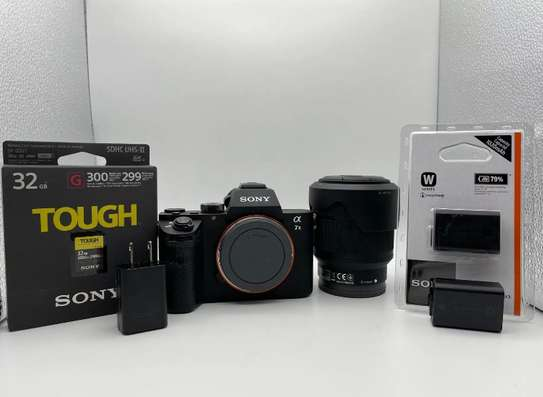 NEW !!! Sony Alpha a7II Mirrorless Digital Camera with 28-70mm Lens and Software Bundle Authorized Sony Dealer - Full USA Warranty