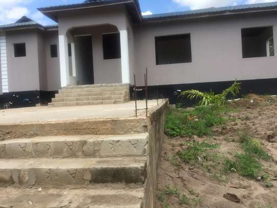 3 bed room big house for sale stand alone   at goba kulangwa image 8