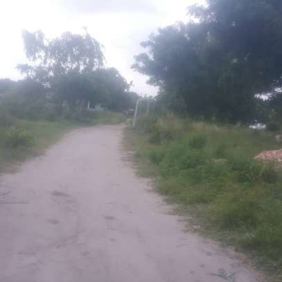 Plot for sale Madale kwa kawawa image 2