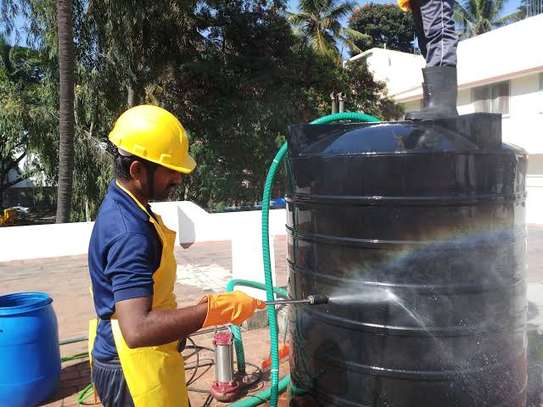 Water tank cleaner image 7