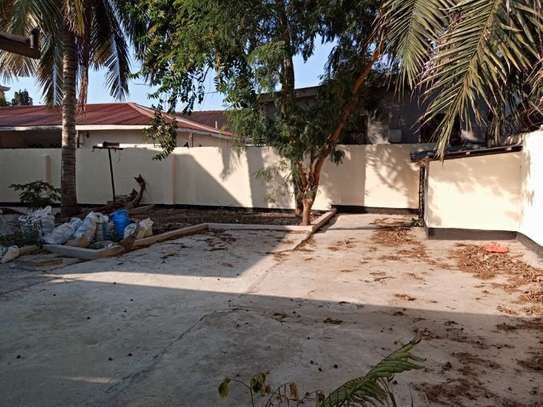 3bed house at mikocheni a tsh 1,200,000pm image 5