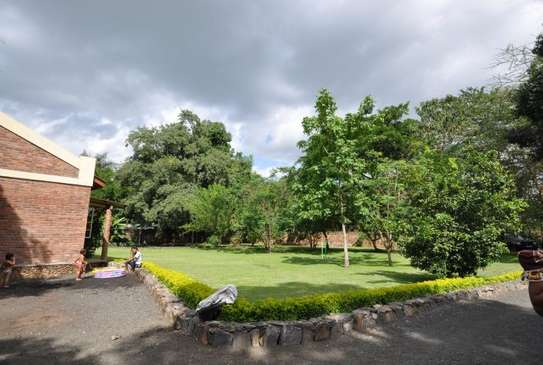 3 bed room house in 5acre for sale at usa river arusha $550000 image 5