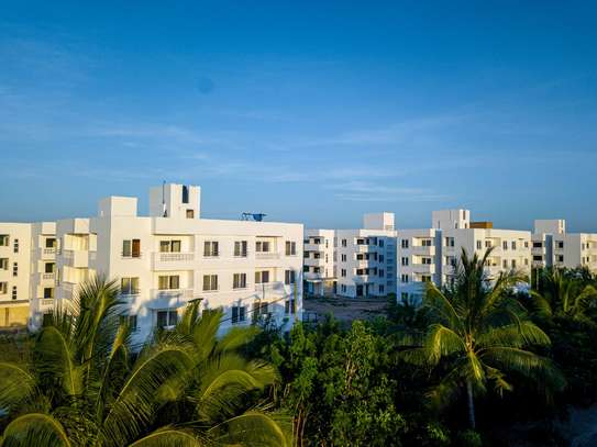A 3 Bedroom Penthouse with access to a communal pool image 4