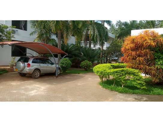 beach house 8bed at mbezi beach $2500pm plus 3bed house total 11 bed image 11