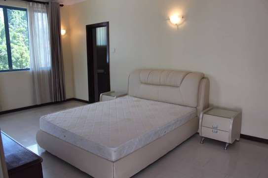 Sea view villas at Oysterbay-Toure Drive for rent image 3