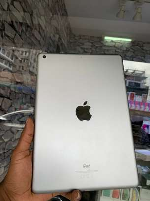iPad Air 2 ( 6th Generation ) 32GB Spacegray for sale image 2